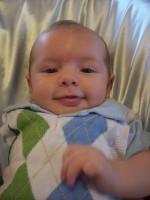 bebelus la 2 luni 150x200 Bebelusul in luna a doua de viata