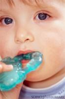 dintii 132x200 Copilul la 1 an si 4 luni