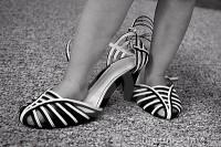 poarta pantofii mamicii1 200x133 Copilul la 1 an si 9 luni