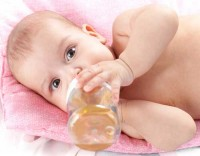 bebe bea ceai 200x156 Ceaiul la bebelusi