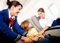 in avion 200x144 Pasaportul pentru copii si bebelusi in 2013