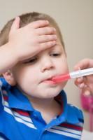 tratare febra1 133x200 Cand si cum tratam febra la copii